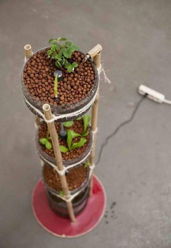 DIY Miniponics Tower Garden