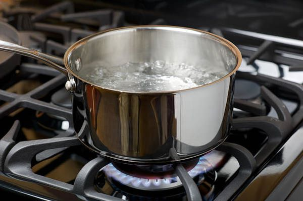 boiling water raises humidity