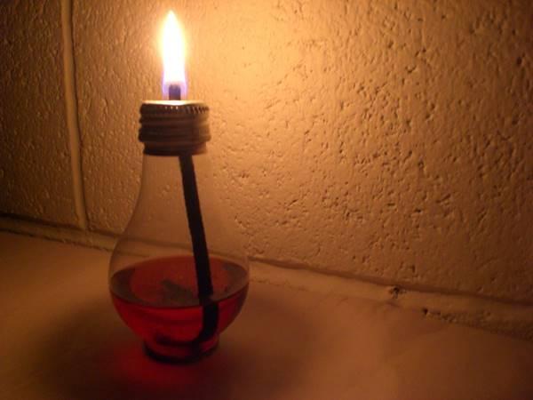DIY Light Bulb Tiki Torch